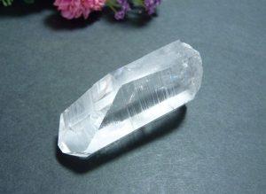 ヒマラヤ産レムリアンシード水晶ポイント(lems004-b)