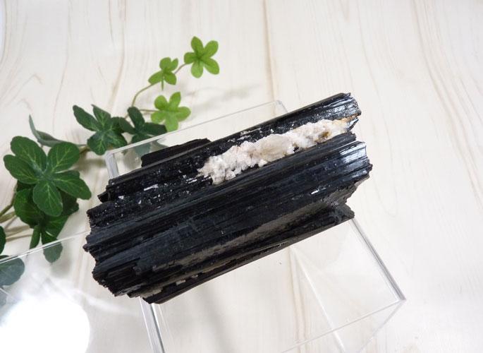 ブラックトルマリンの原石