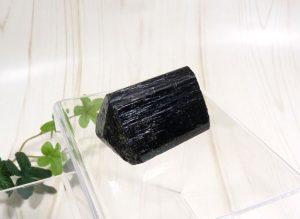 ブラックトルマリンの原石(gem-tr03)