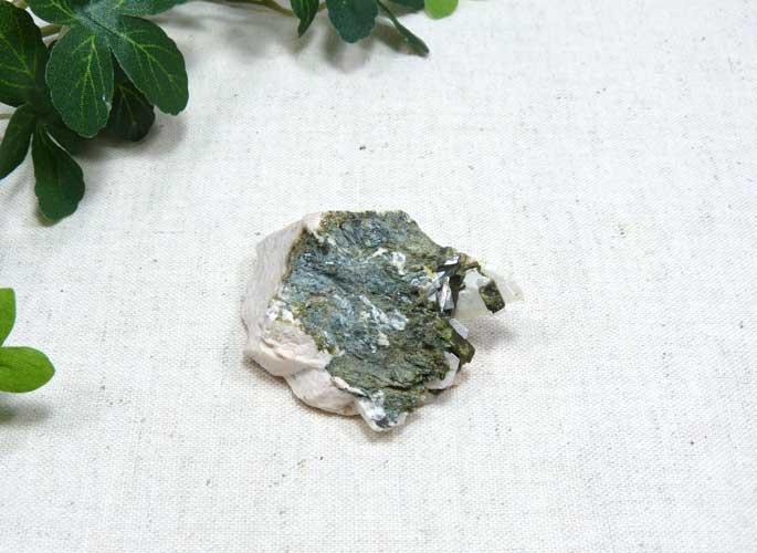 ブラジル産エピドートの結晶