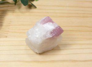 ブラジル産 ピンクトルマリン 結晶付き原石(gem-pt005)