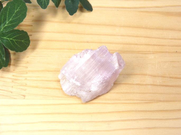 アフガニスタン産 クンツァイト 結晶